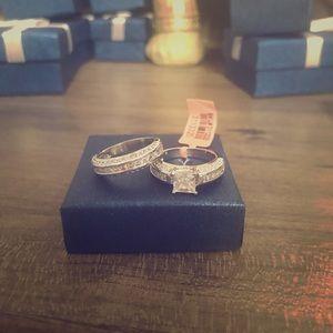 Jewelry - Cubic Zirconia Diamond Silvertone Ring (Size 7)